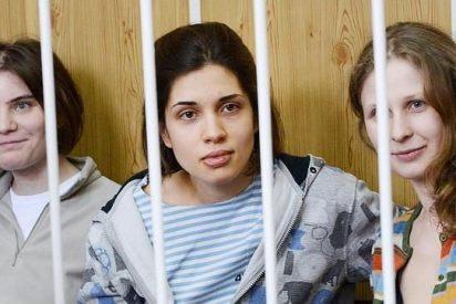 Las 'Pussy Riot' rusas se desmayan en el juicio por el maltrato recibido