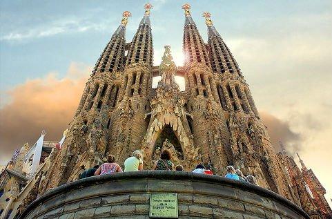 Viaje audiovisual al Gaudí de la fe
