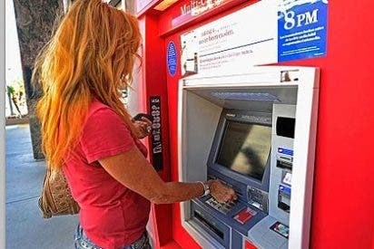 Ciberdelincuentes: el riesgo de arrojar el comprobante bancario a la papelera