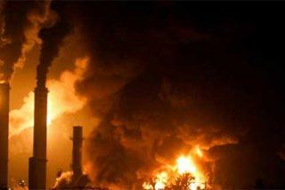 La explosión de una refinería deja 39 muertos y 80 heridos en Venezuela