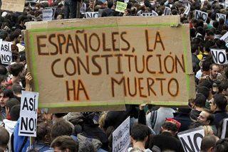 Los manifestantes del 25-S vuelven a la Plaza de Neptuno y cortan el tráfico