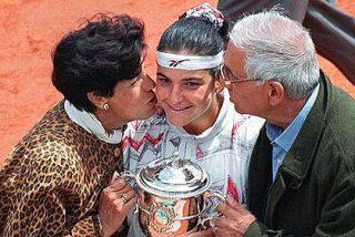 La tenista Arantxa Sánchez Vicario quiere echar a sus padres de su casa