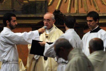 Bergoglio carga contra los curas que no bautizan a los niños de madres solteras