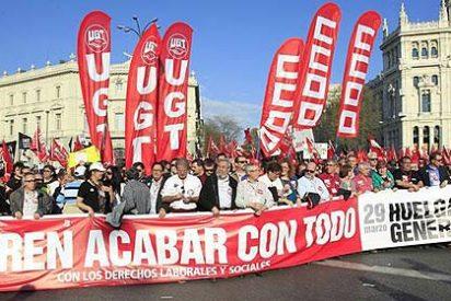 """'El País' habla de """"la gran marcha"""" y 'El Mundo de """"sindicalistas acarreados en 850 autobuses"""""""