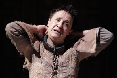 Blanca Portillo hace un tierno Segismundo en 'La vida es sueño'