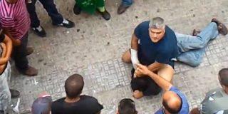 El español que bajó a defender a la mujer marroquí a la que 'atizaban' delante de un grupo de mirones magrebíes
