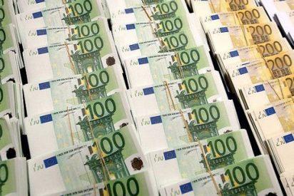El Tesoro coloca 3.502 millones de euros en bonos y baja los intereses pendiente del BCE