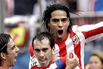 El Atlético de Madrid vence al Valladolid pese a una cantada de Courtois