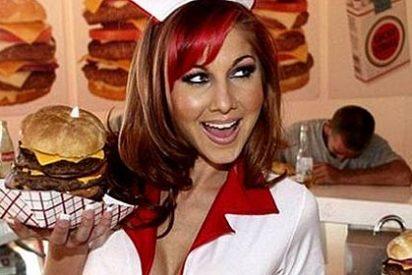 ¿Sabe usted cuándo, dónde y cómo se inventó la popular hamburguesa?