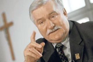 Lech Walesa pide clemencia para las Pussy Riot en una carta a Putin