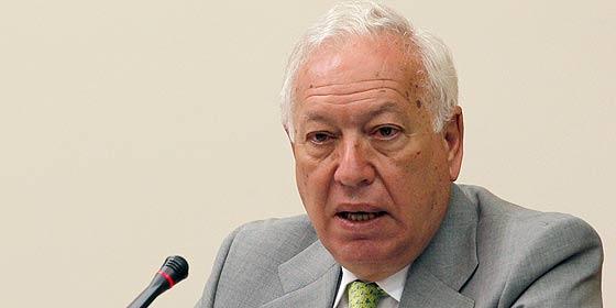 El ministro Margallo encuentra sólo cinco becarios que quieran trabajar gratis en embajadas