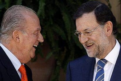 Rajoy no le saca partido al Rey: ¿por qué no le utiliza de muro frente a las exigencias de Europa?