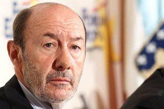El socialista Rubalcaba sufre los efectos colaterales del envite del PSC en Cataluña