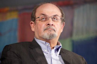 Salman Rushdie abandona su cautiverio publicando sus memorias