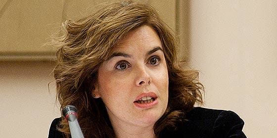 Sáenz de Santamaría desmiente que se vayan a recortar las pensiones