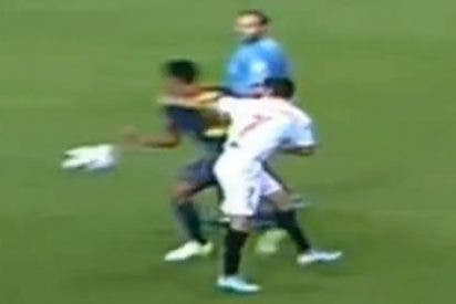 Hubo mano clara de Thiago antes del segundo gol de Cesc al Sevilla