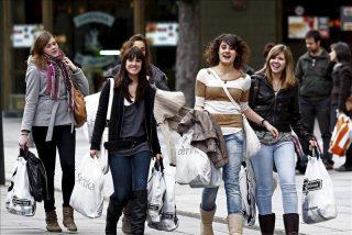 """Miles de tiendas tendrán que echar pronto el cerrojo ante el """"desprecio"""" del Govern"""