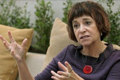 Rosa Montero busca, lejos de la izquierda, a los culpables de la crisis