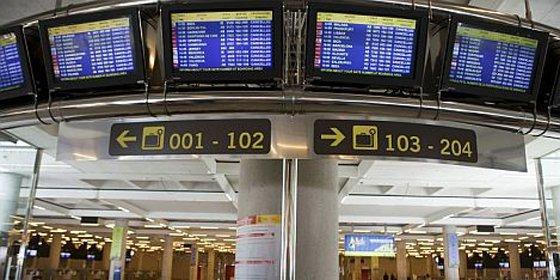 Fomento le corta las alas a los precios de avión a Baleares con derecho a subvención