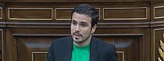 """La camiseta del diputado Garzón: """"Tenemos empleos que odiamos para comprar mierda que no necesitamos"""""""