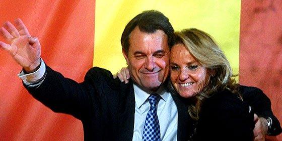 Artur Mas según CiU: cien por cien catalán, de familia industrial, culto y deportista