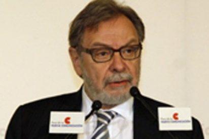 Cebrián presenta al comité de empresa su despiadado plan de recortes: 149 salidas y 15 por ciento de reducción del salario fijo para toda la plantilla