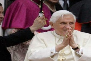 """""""El Vaticano encubre todo"""""""