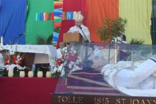 """Osoro: """"Hoy es más urgente que nunca padres y maestros como Don Bosco"""""""