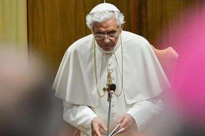 """Papa: """"La Iglesia siente vientos contrarios...pero seguimos caminando"""""""