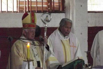 """Padre Eugenio Pizarro: """"Soy y moriré en la Iglesia de los pobres"""""""