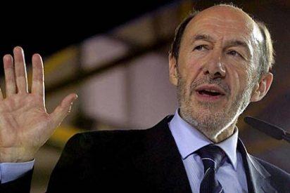"""Rubalcaba prepara la artillería: """"A Rajoy no le va a salir gratis el rescate"""""""