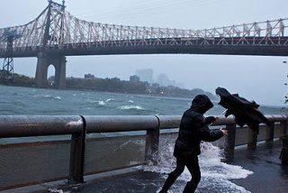 El huracán Sandy deja 38 muertos y a millones de personas sin electricidad