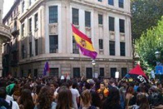 Un millar de estudiantes de Secundaria se manifiesta en Palma en contra de los recortes