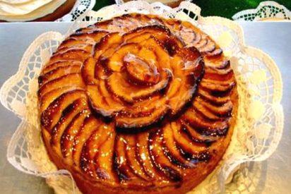 Tarta compotada de manzana con aromas de canela y ron