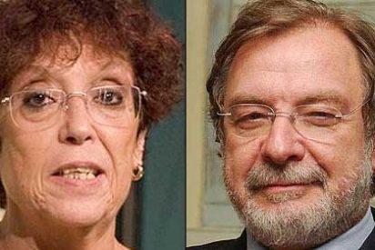 """La despechada Maruja Torres arremete contra Cebrián: """"Es un cateto, un rencoroso y un pijo, pero un pijo sin conciencia"""""""