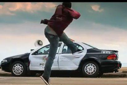 Vetado el video de un 'macarra' David Villa destruyendo un coche patrulla a pelotazos