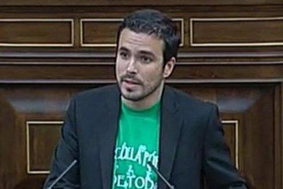 Alberto Garzón mantiene su blog 'Economía para pobres' en la web del multimillonario dueño de Público.es