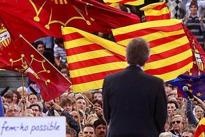 Los empresarios catalanes presionan a Artur Mas para que negocie con Rajoy