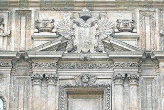 La Junta pide al obispo de Almería que elimine los símbolos franquistas de la catedral