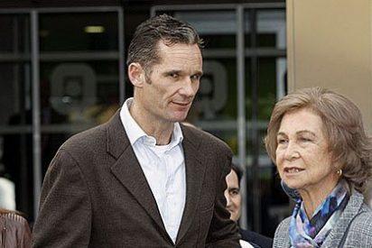 La Familia Real al completo, incluido Iñaki Urdangarin, visita al Rey Juan Carlos