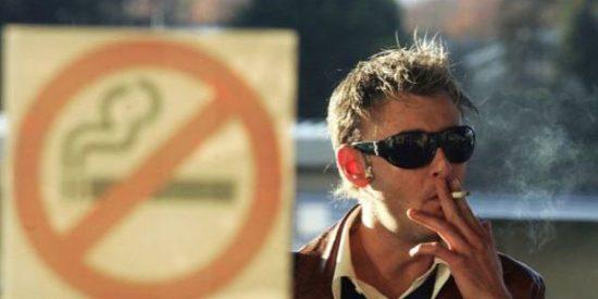Los fumadores faltan más al trabajo
