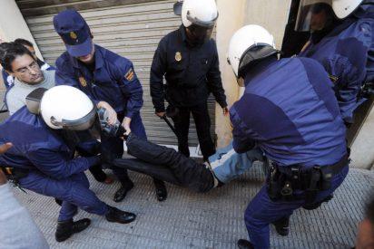 Los consumidores piden a los alcaldes de Baleares que no manden dar de porrazos a los desahuciados
