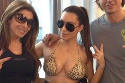 Kim Kardashian vuelve a mostrar orgullosa sus curvas