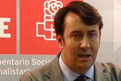 Los funcionarios extremeños se quedan sin paga extra por el error de un diputado del PSOE
