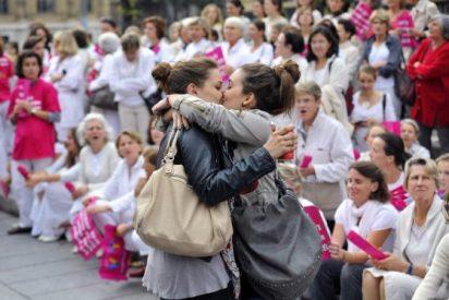 """Francia aprueba el matrimonio gay entre """"presiones confesionales"""""""