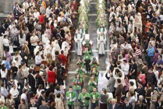 """El Congreso Nacional de Pastoral Juvenil concluye con el envío en vasijas de barro del """"tesoro de la fe"""""""