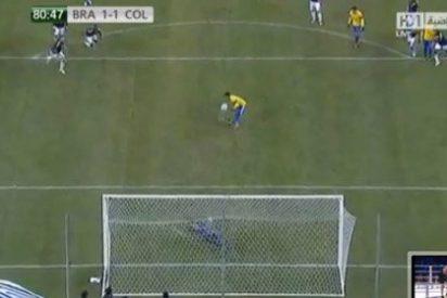 Neymar la pifia ante Colombia (1-1) con un penalti a lo Sergio Ramos