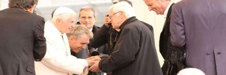 Roma consagra al Padre Ángel como icono de la solidaridad de la Iglesia católica