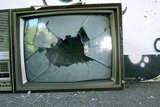 Para sobrevivir, Telemadrid tendrá que limitarse a los informativos y 245 trabajadores