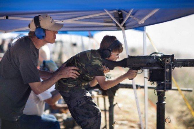Iglesias de EE.UU. atraen feligreses con cursos de armas de fuego